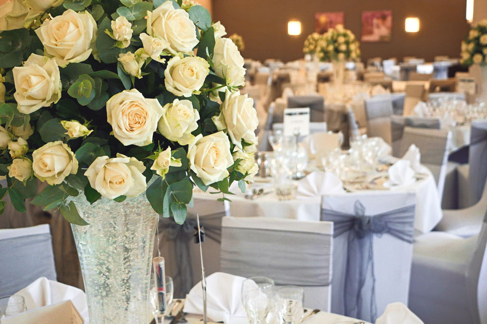 Wybsoton Lakes table flowers